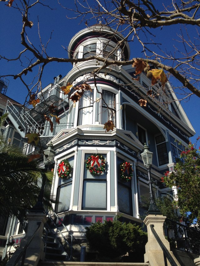 victorian-house-sf-christmas
