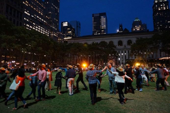 bryant-park-square-dance-fun