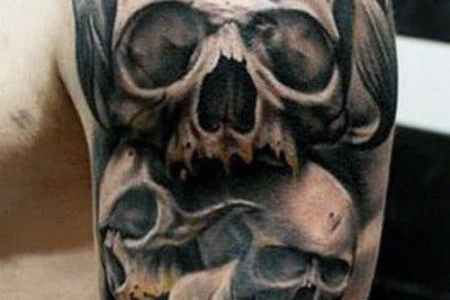 manly skull tatto black and grey