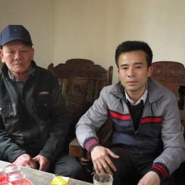 Một cựu binh khác, ông Nguyễn Xuân Cứ, bố của liệt sỹ Nguyễn Thanh Hải, Chính Mỹ, Thủy Nguyên, Hải Phòng. Khi Hải mất hai bố con đang ở cùng đơn vị.