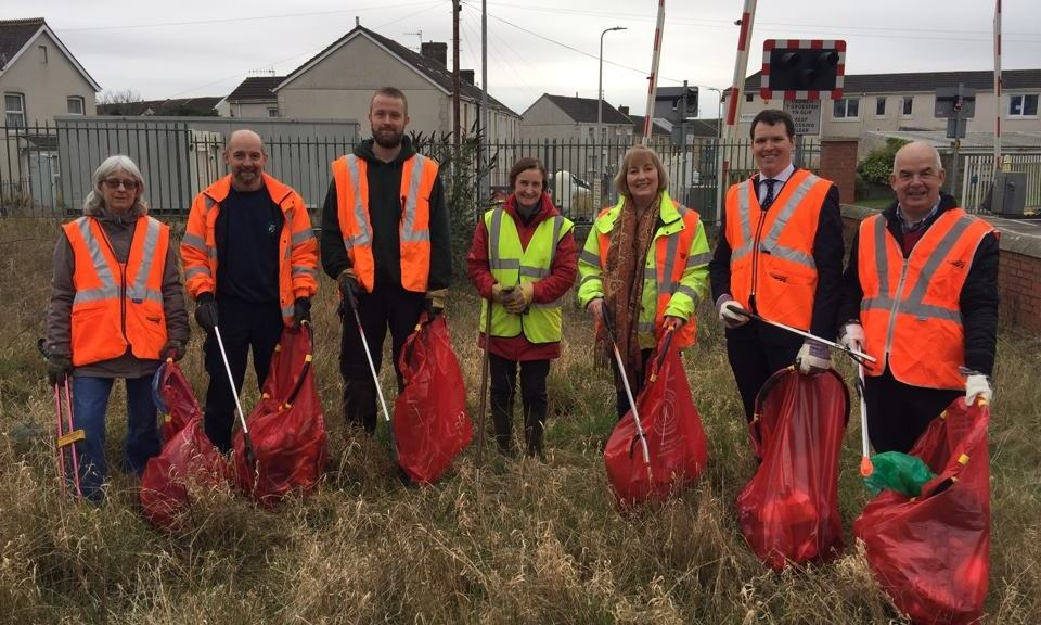 Friends of Llanelli Train Station litter pick