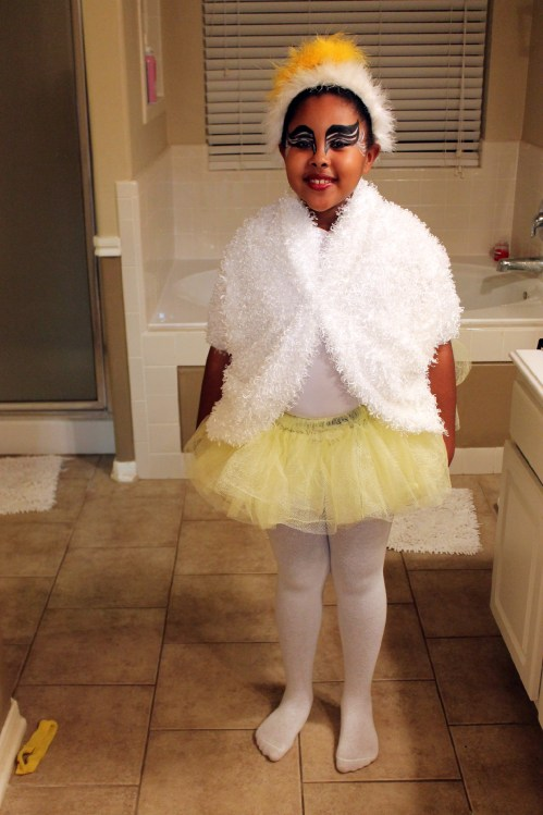 Halloween DIY: Little Girl Swan (Lake) Costume and Make-Up