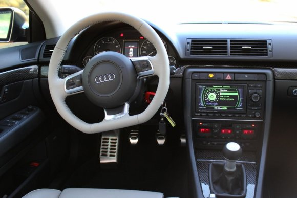 Audi TT Flat Bottom Steering Wheel in B7 Audi S4