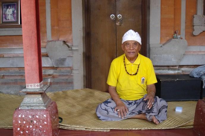 Ketut Liyer: Bali Medicine Man