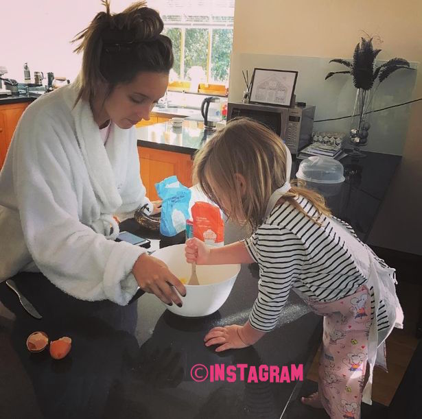 Pete Andre Shares Cute Photo of Daughter Amelia Cooking With Wife Emily!