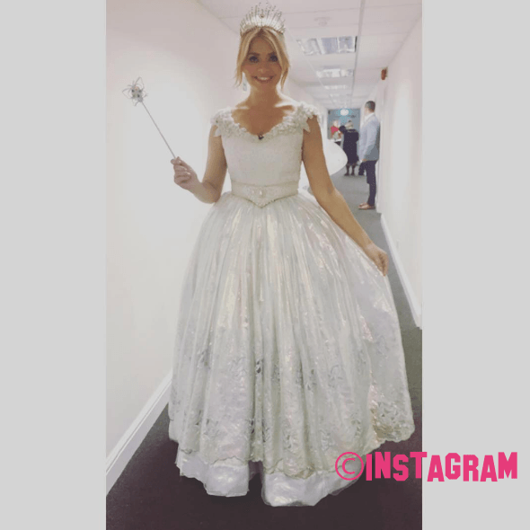 Holly Willoughby Dresses As A Princess Fair For Celebrity Juice Christmas Special