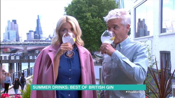 Holly Willoughby Throws Back The Gin Live On This Morning Just Hours After The Glamour Awards