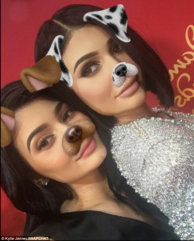 Kylie Jenner Poses With Her EXTREMELY Lifelike Waxwork At Madame Tussauds In Hollywood