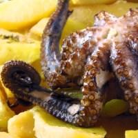 Pečena hobotnica sa krumpirom