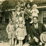 1928 With Family (Loyd is front center)