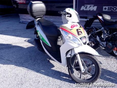 Misano_paddock_scooter_1a