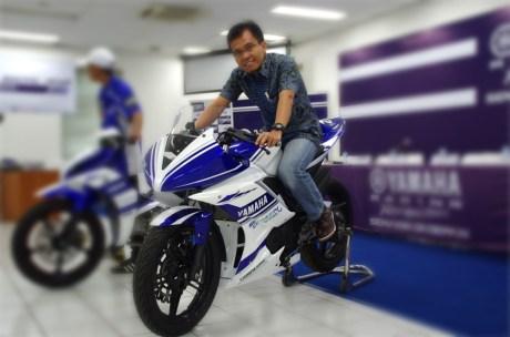 R15_racing_001-(Copy)-(0)