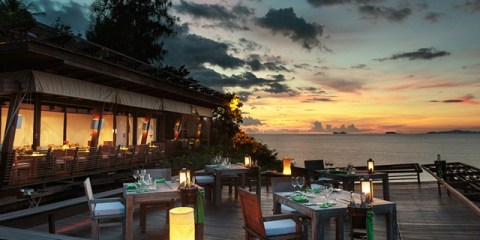 640x450_03_dining_on_the-rocks_sunset2