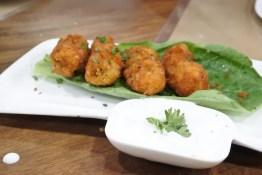 Fish with tartar dip