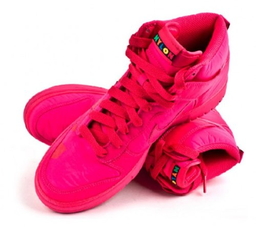 nylon-nike-sportswear-proyecto-meteoro-4-570x505