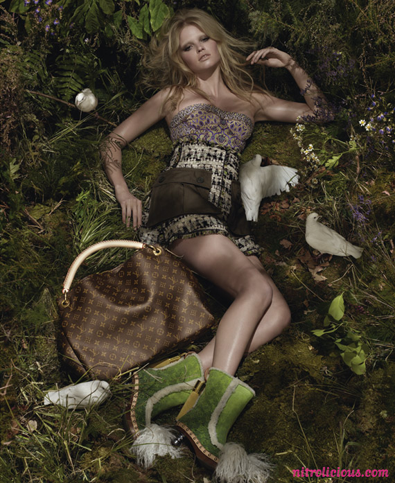 lara-stone-louis-vuitton-ad-03