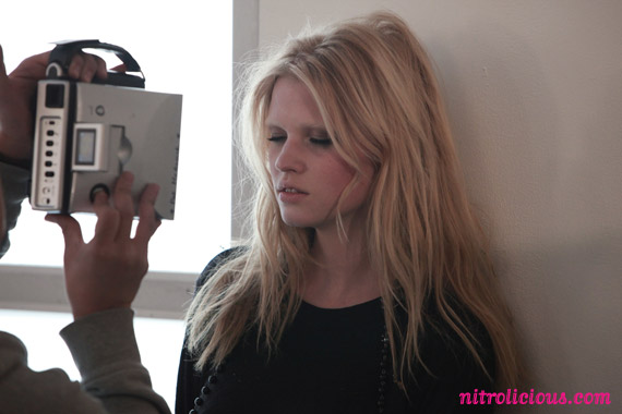 lara-stone-louis-vuitton-behind-the-scenes-02