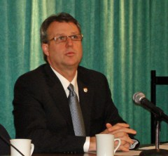 doug-currie-press-conference-src