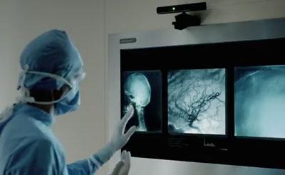 Kinect controlling medicine (photo Microsoft)