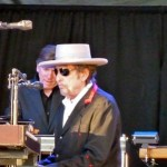 Bob Dylan updates his Facebook page – a first