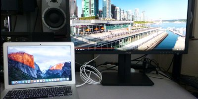 MacBook Air on 4K display with Thunderbolt / DisplayPort