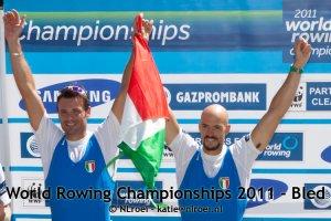 Mornati (geheel links) na het winnen van een bronzen medaille bij de WK van 2011.