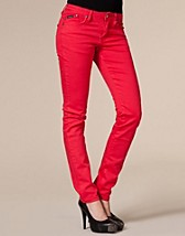 Red Jeans SEK 699, D Brand - NELLY.COM