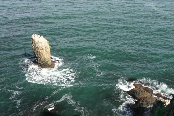 霧多布岬の立岩