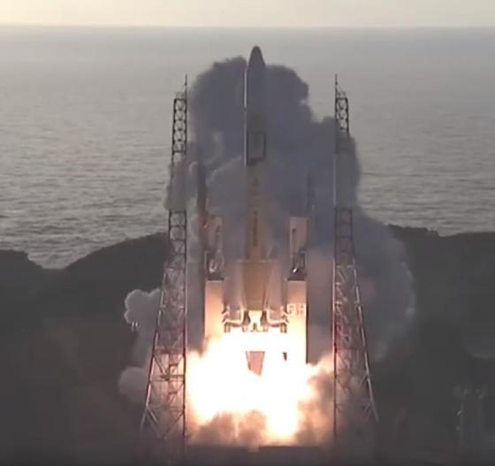 みちびき4号機を載せたH-IIAロケット36号機の発射シーン