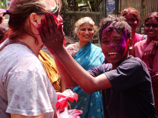 tips to celebrate holi in india