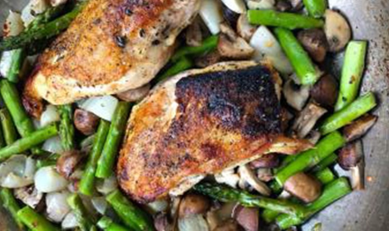 One Pan Chicken with Asparagus and Mushrooms in Lemon Sauce