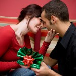 How to Buy Your Girlfriend the Perfect Gift?