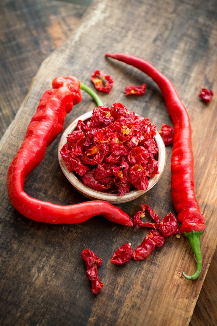 DIY dried hot peppers