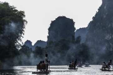 KC1turisti  fiume Lì nei pressi di Yangshuo 1