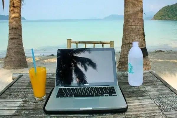 Digital Nomads (foto by barefootjournal.com)