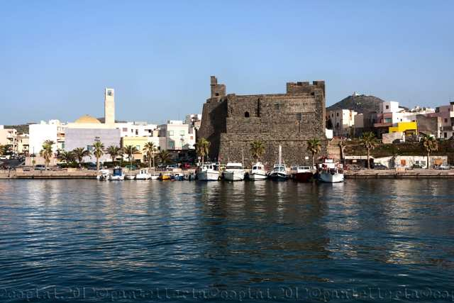 Pantelleria, Castello di Barbacane (Flickr, Copini)