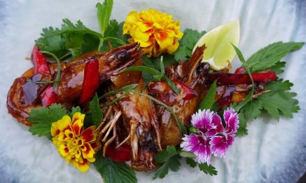 Sticky peppered tamarind prawns recipe