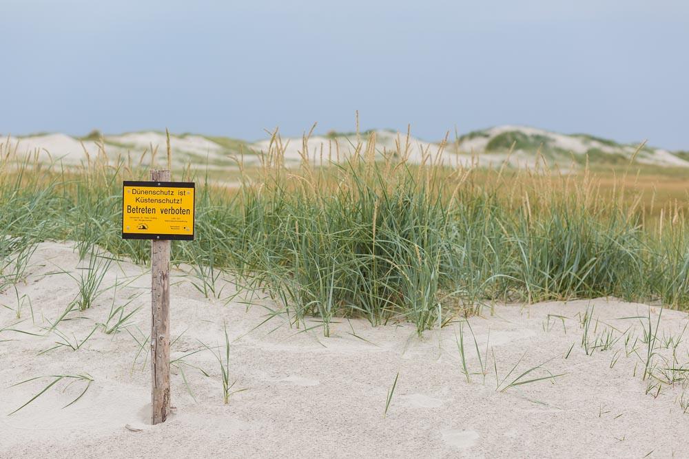 Impressionen der Nordsee in St. Peter Ording am Strand | Fotografie by nordbrise.net | weißer Sandstrand zwischen Dünen