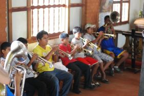 Workshop with the San Fransisco orchestra brass pupils in San Ignacio