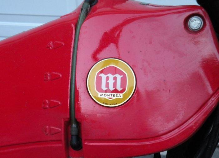 Montesa 349 - Tank