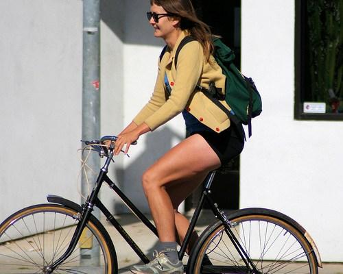 5713366925_21641f1ed0_bike-commuting