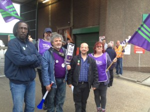 The picket line at Holmes road, Camden (picture courtesy of Charlie Kiss)