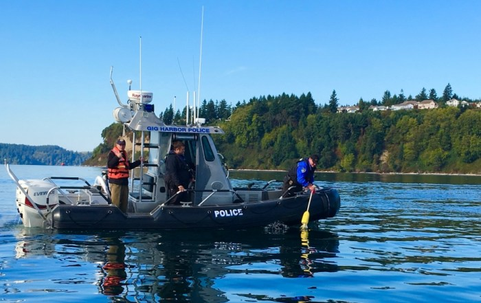 Gig Harbor PD Marine Unit recovering PIW buoy after successful SAR exercise.