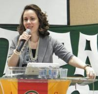 Pastor questiona se Sarah Sheeva tem preparo teológico e espiritual para ser pastora