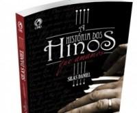 Pastor Silas Daniel lança livro contando a história dos principais hinos da tradição cristã
