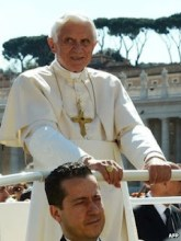 """Ex-mordomo do Papa afirma ter sido """"guiado pelo Espírito Santo"""" para vazar documentos do Vaticano"""