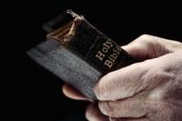Pastor é assassinado a tiros com a Bíblia na mão dentro de igreja; Corpo foi encontrado por fiéis
