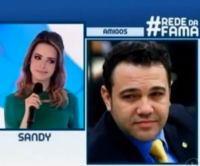 """Sandy afirma que Marco Feliciano tem uma cabeça """"atrasada e retrógrada""""; Pastor responde dizendo estar orando pela cantora"""