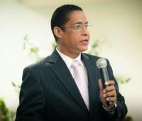 """Pastor ex-travesti Joide Miranda afirma que """"os psicólogos evangélicos não são curandeiros"""""""