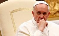Cristãos devem achar equilíbrio entre princípios e respeito e não discriminar gays e seus filhos, diz Vaticano